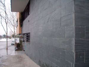 cubiertas-segovia-piedra-regular-filita-gris-verdosa-natural-1