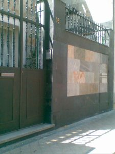 cubiertas-segovia-piedra-regular-varios-modelos-cuarcita-blanca-manchada-1