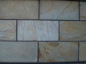 cubiertas-segovia-piedra-regular-varios-modelos-cuarcita-blanca-manchada-6