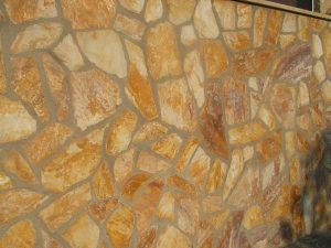 cubiertas-segovia-piedras-irregulares-cuarcita-altamira-brillo-violeta-1