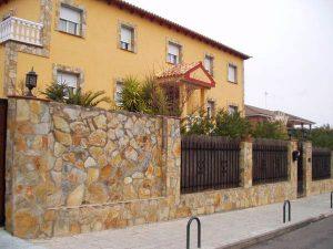 cubiertas-segovia-piedras-irregulares-cuarcita-amarilla-3
